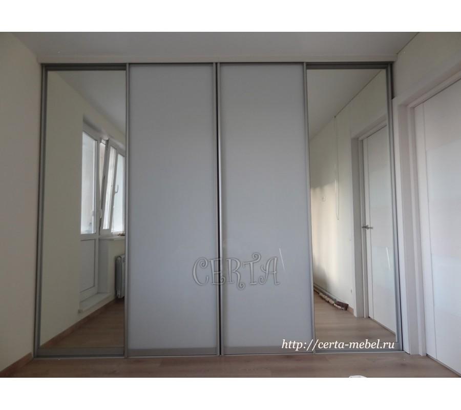 зеркальный шкаф