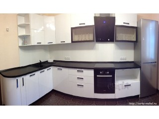 Белая угловая кухня